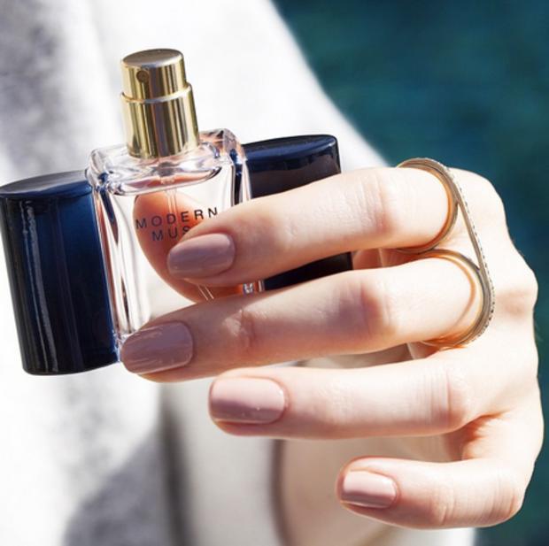 Koniec celebryckich perfum, początek autorskich zapachów