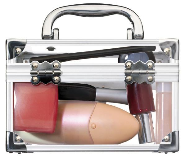 Piękna w podróży, czyli jak spakować kosmetyczkę