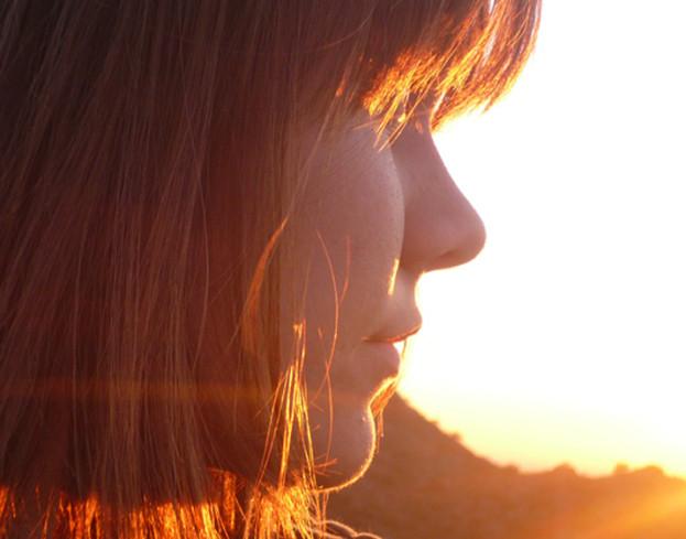 Kosmetyczna agentka: regeneracja włosów po lecie