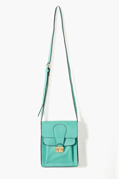 Torby i plecaki, które ożywią look