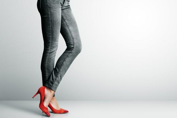 Koniec ery jeansów typu skinny