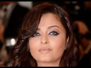 Makijaż: Aishwarya Rai