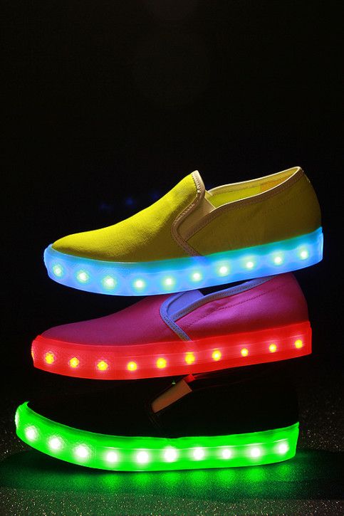 Made By Ve May Bay China Southern || Sneakled Buty Led Allegro