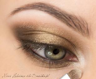 Wewnętrzny kącik oka rozjaśnij jasną perłą.