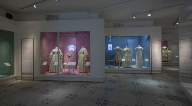 Wedding Dresses 1775-2014 w Victoria & Albert Museum