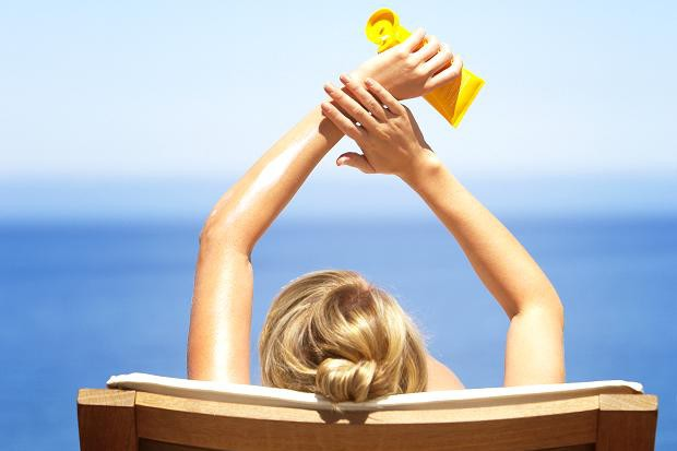 Nawet jedno oparzenie słoneczne uznaje się za niebezpieczne dla zdrowia skóry