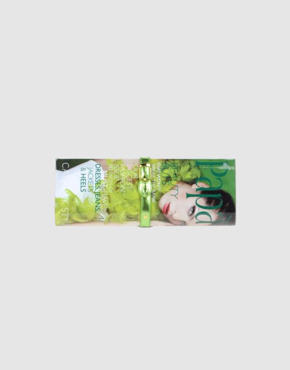 PAP  RAZZI:  okładkowa  kopertówka w dobrej cenie