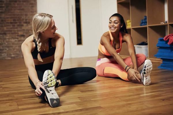 Bielizna Snobki: sportowe biustonosze Adidas