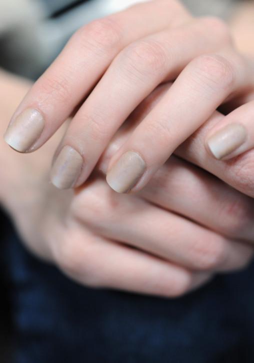 Trendy.Piaskowy manicure. Kolekcja Alexander Wang jesień-zima 2013-14