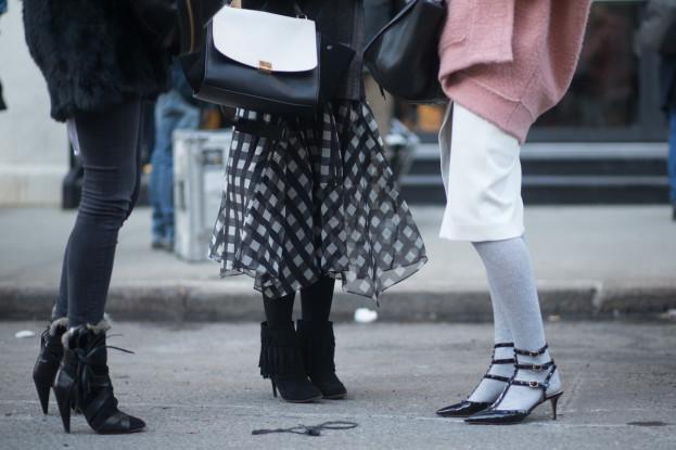 Szpilki na śniegu: warto aż tak poświęcać się dla mody?