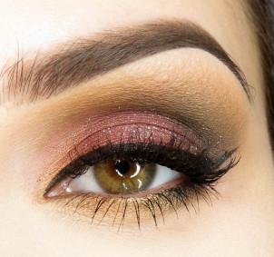 Makijaż: smokey dla niebieskich i zielonych oczu