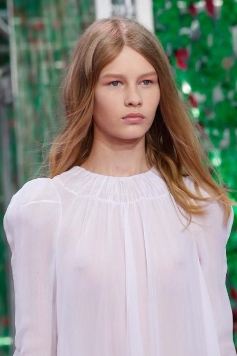 Współczesna historia Kopciuszka. 14-letnia Sofia Mechetner gwiazdą pokazu Diora