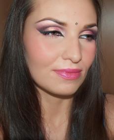 Makijaż na Haloween: Hinduska Księżniczka
