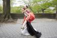 Hanne Gaby Odiele, Grace Mahary, Tilda Lindstam, Alana Zimmer i Xiao Wen Ju w drodze na bal, fot. Cass Bird