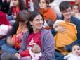 Snobka intymnie: publiczne karmienie bulwersuje?